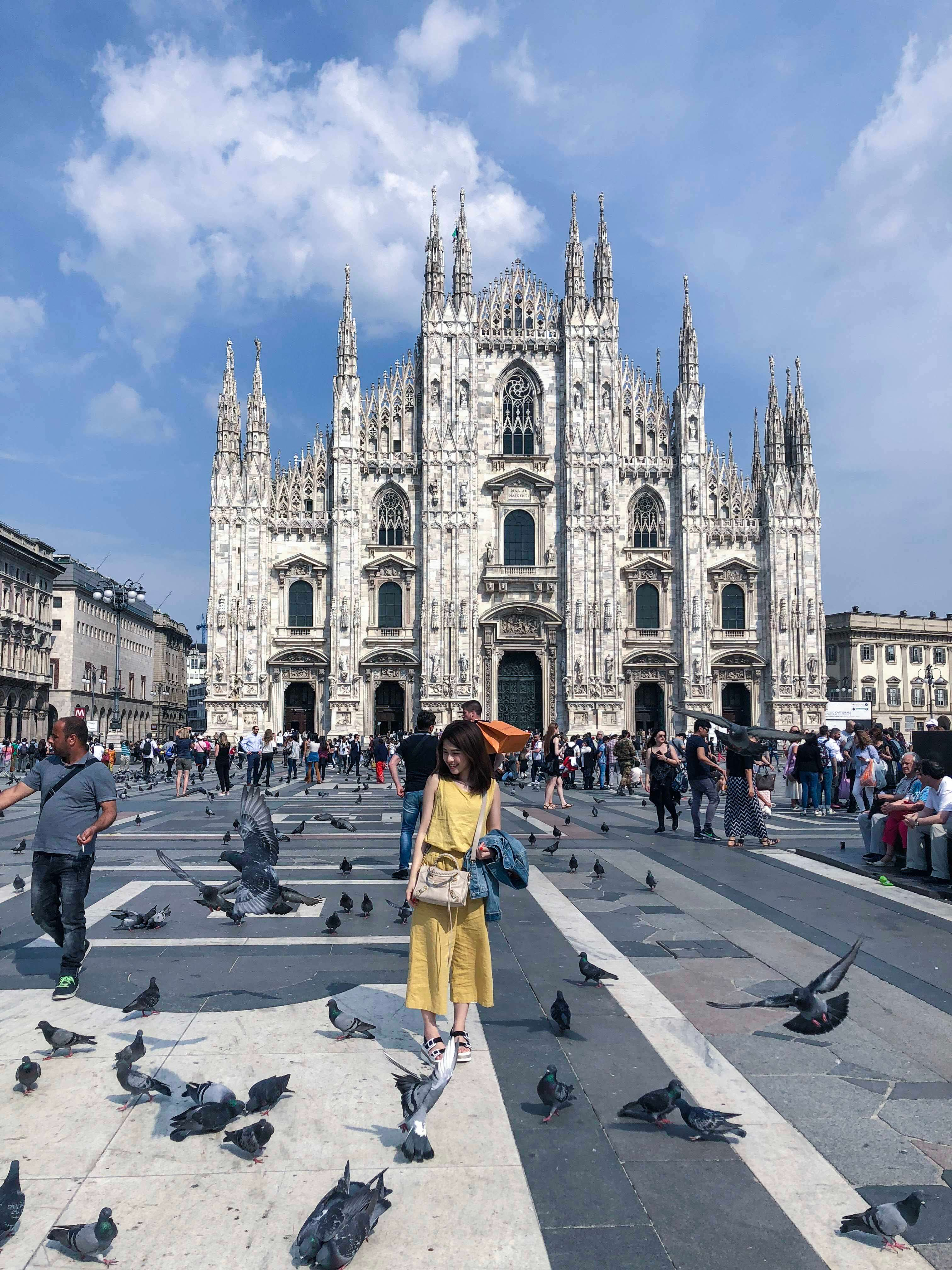 米蘭大教堂的廣場與鴿子