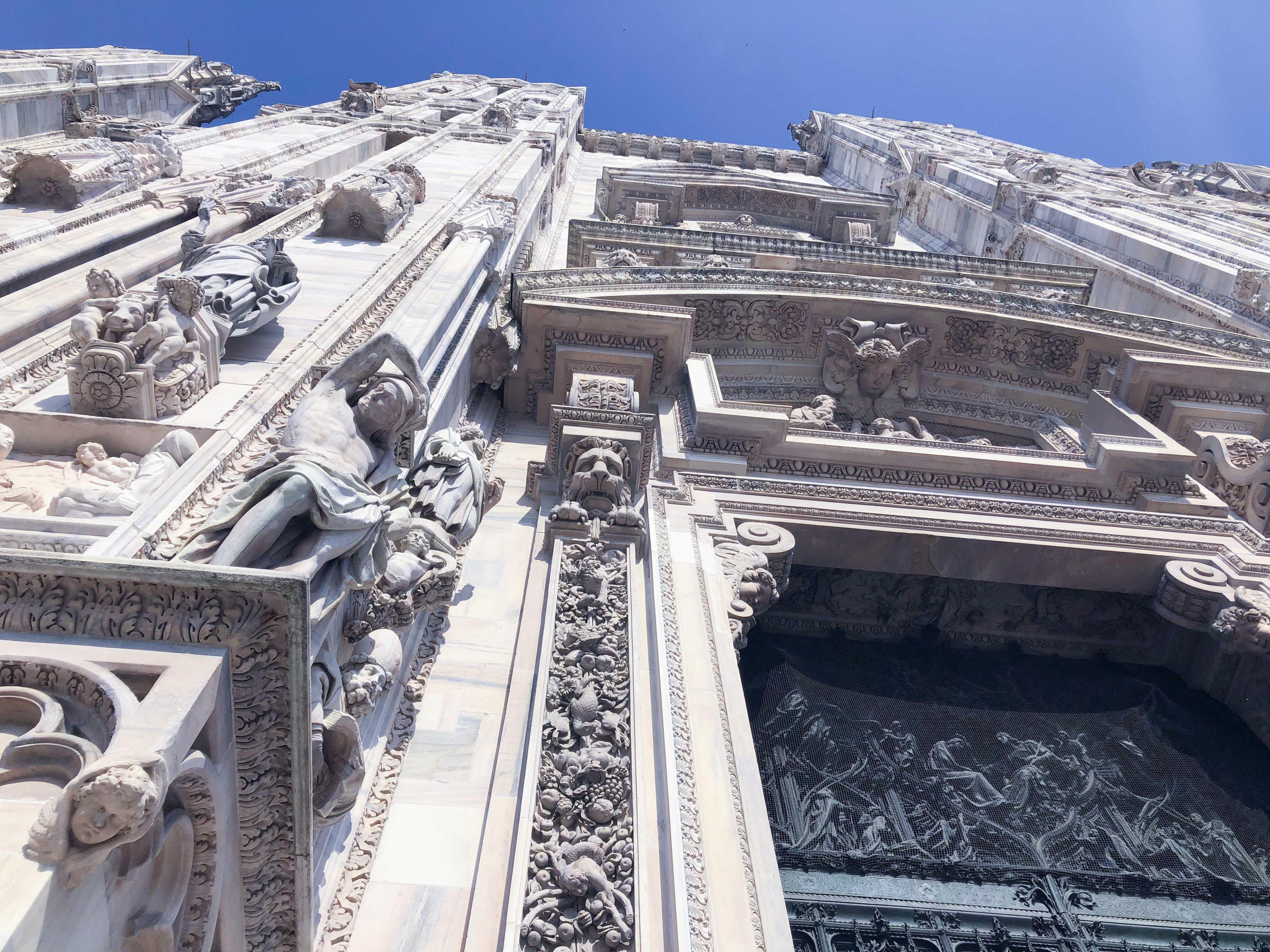 米蘭大教堂Duomo di Milano雕刻牆面