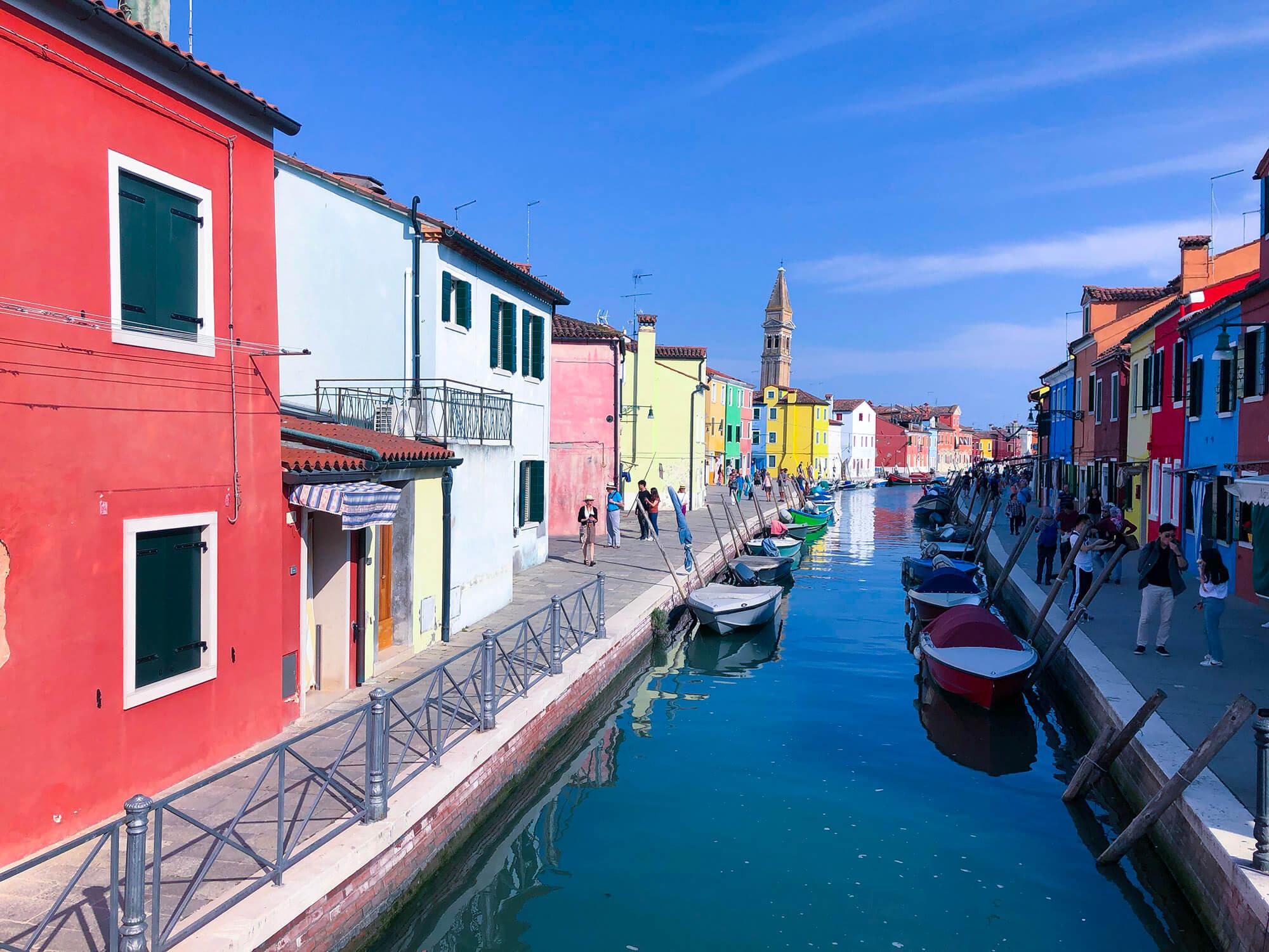 義大利彩色島威尼斯藍天白雲