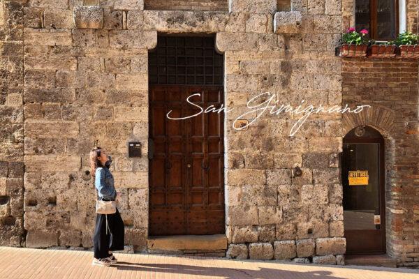 聖吉米尼亞諾San Gimignano|中世紀的絕美古城,交通攻略&必去理由,買皮衣、皮件這邊買對了!