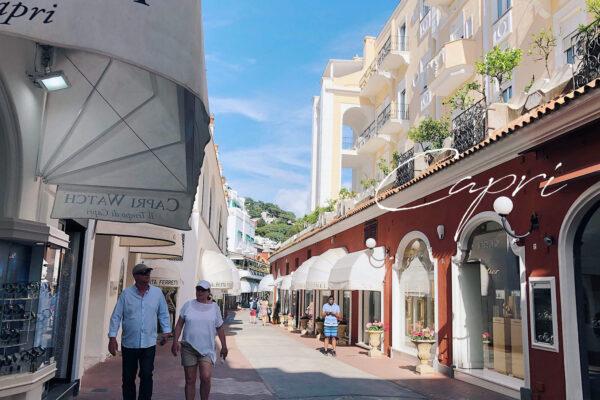 卡布里島Capri|藍洞的交通解析&逛街、搭郵輪,在卡布里的景點推薦