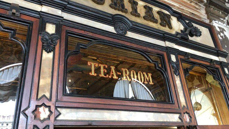 威尼斯|聖馬可廣場的百年花神咖啡Caffé Florian(含中文Menu)&老咖啡Lavena