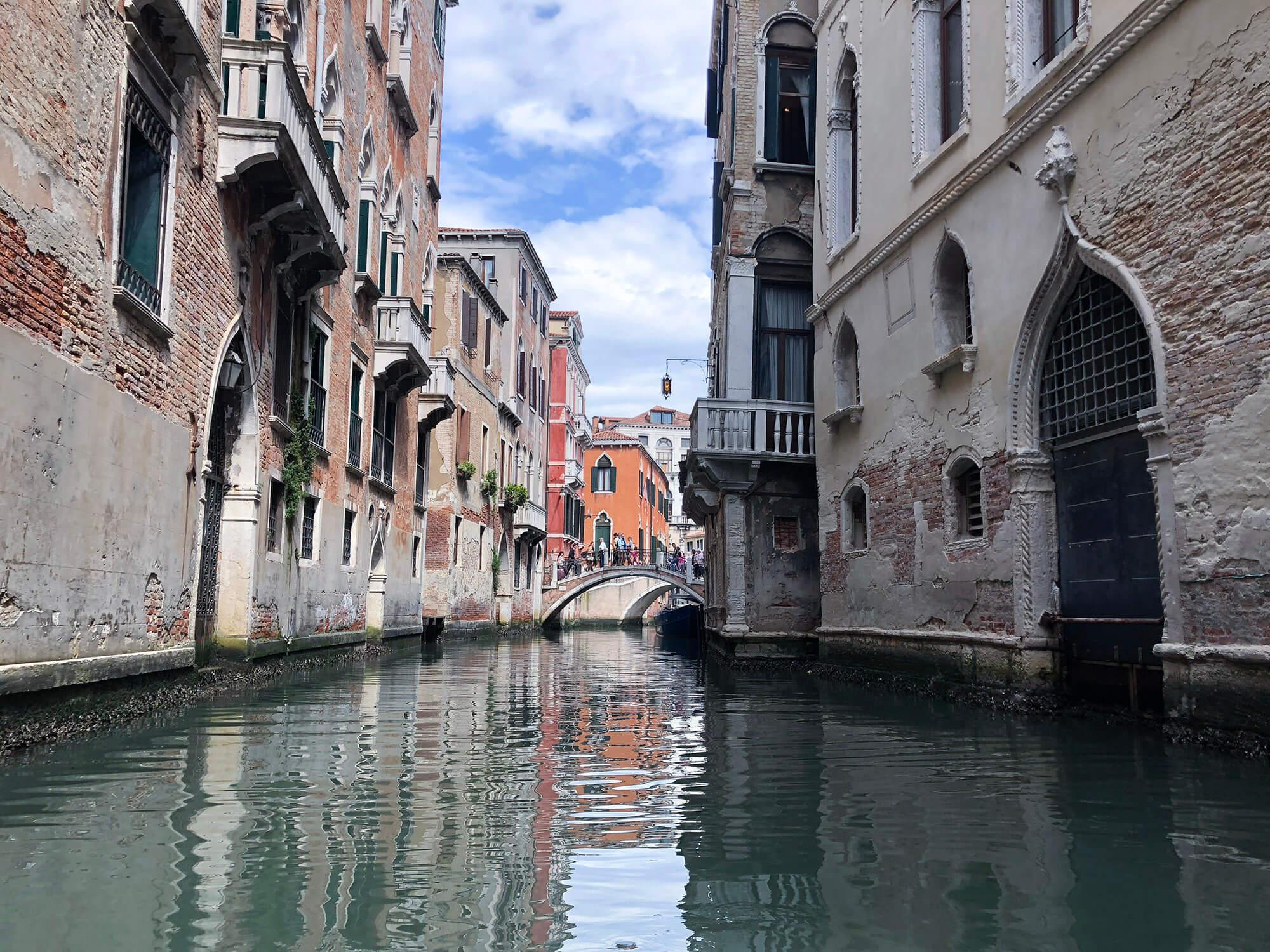 遊威尼斯搭乘貢多拉