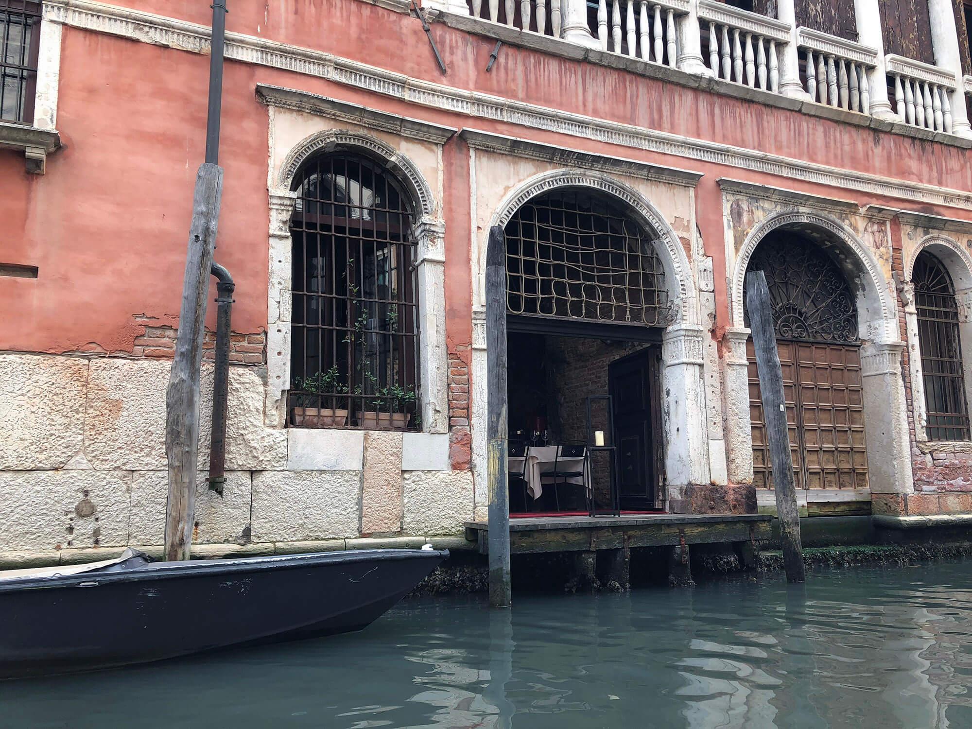 威尼斯水邊餐廳