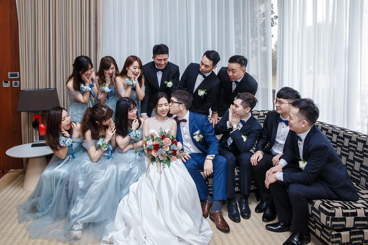 新娘房大合照