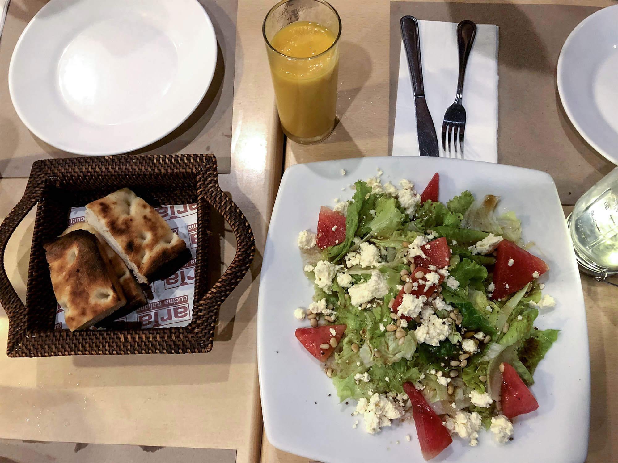 Aria餐廳_boracay沙拉麵包