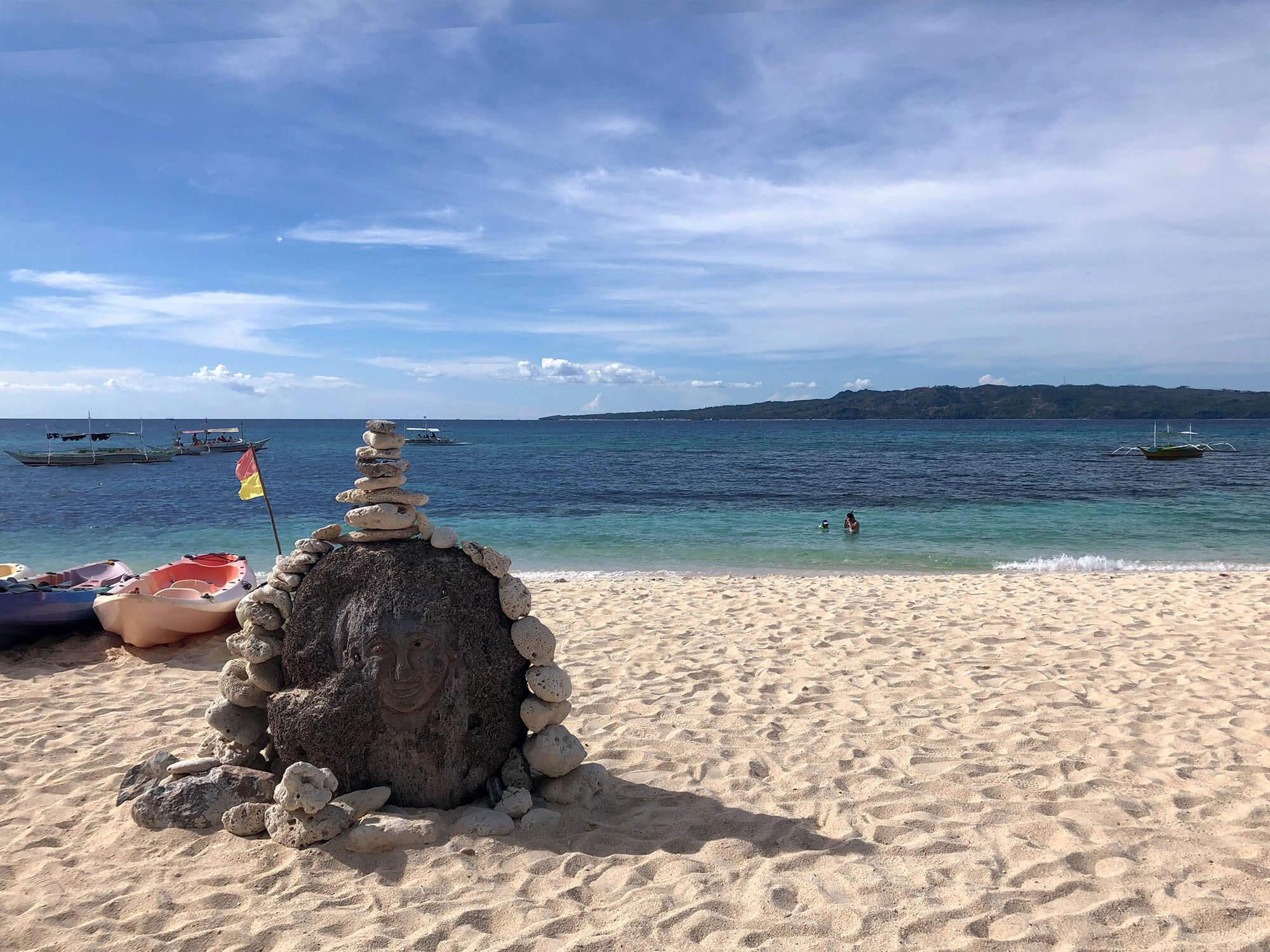 pukabeach海灘石頭