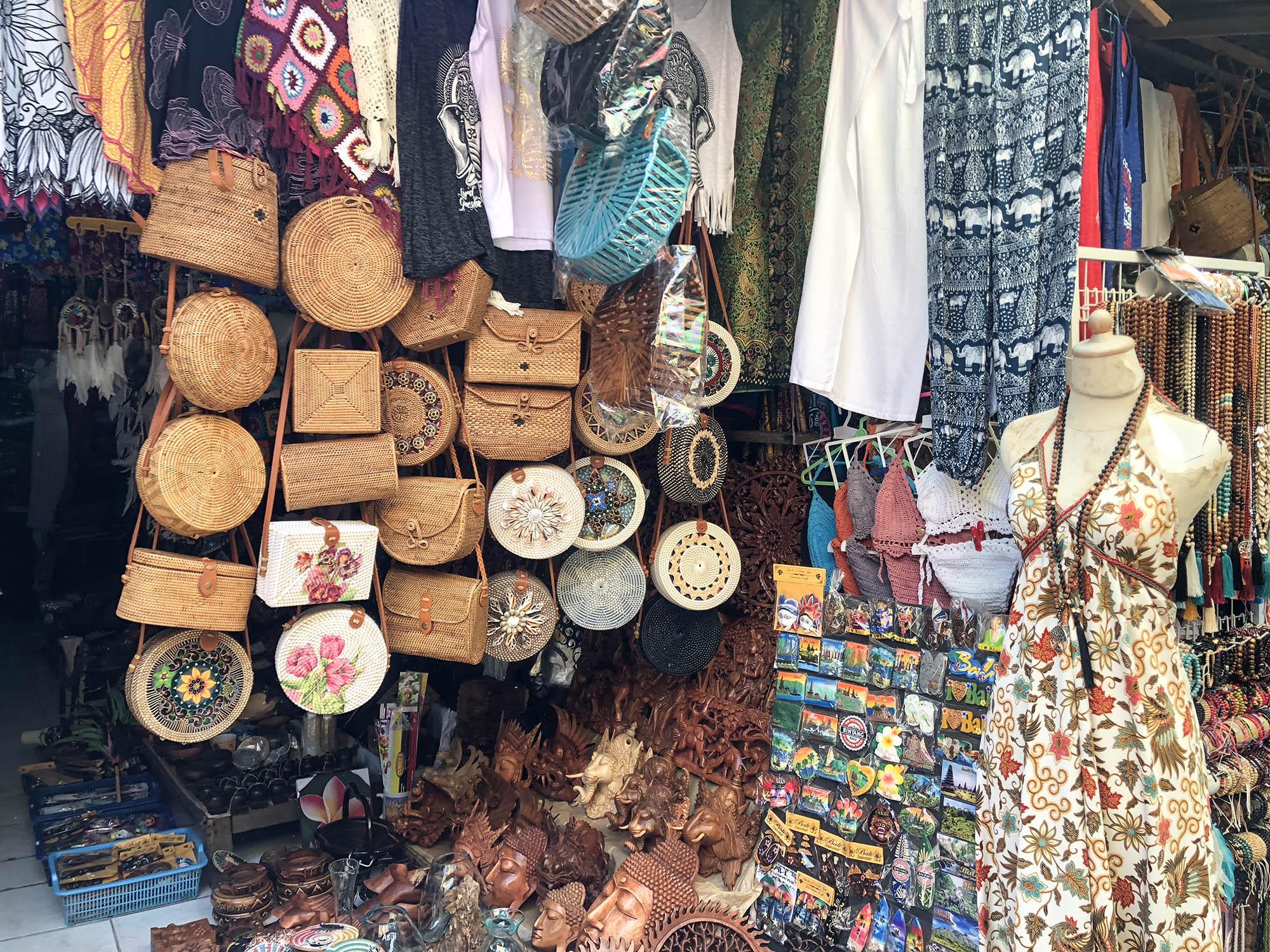 聖泉寺商店街賣衣服2