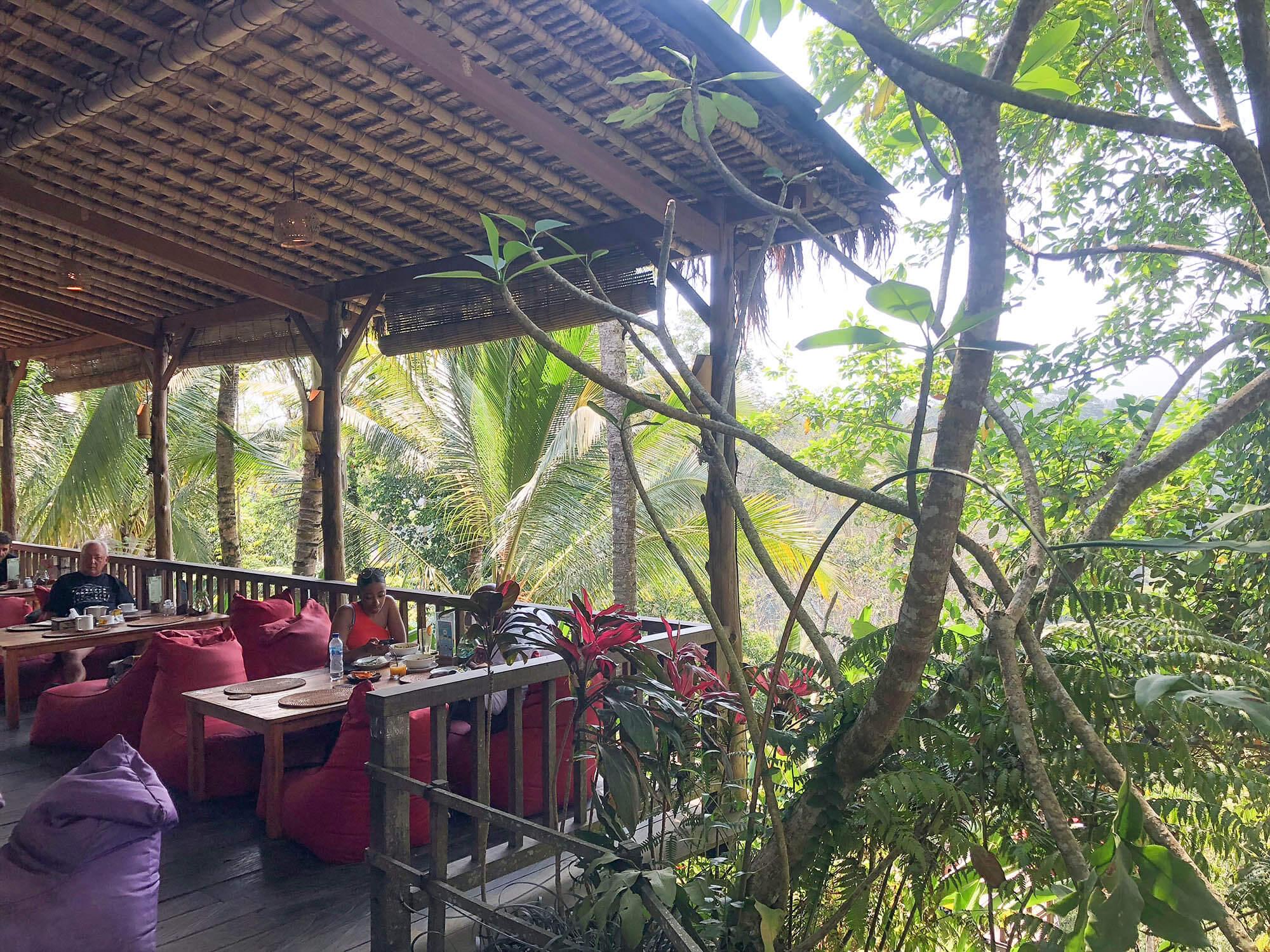 dAlas餐廳戶外懶人椅區1