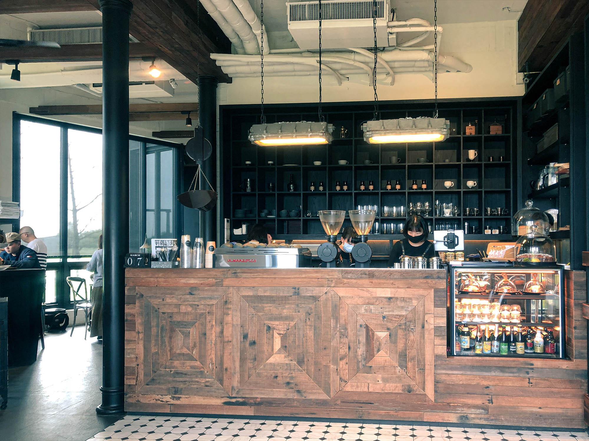 黑宅咖啡櫃檯