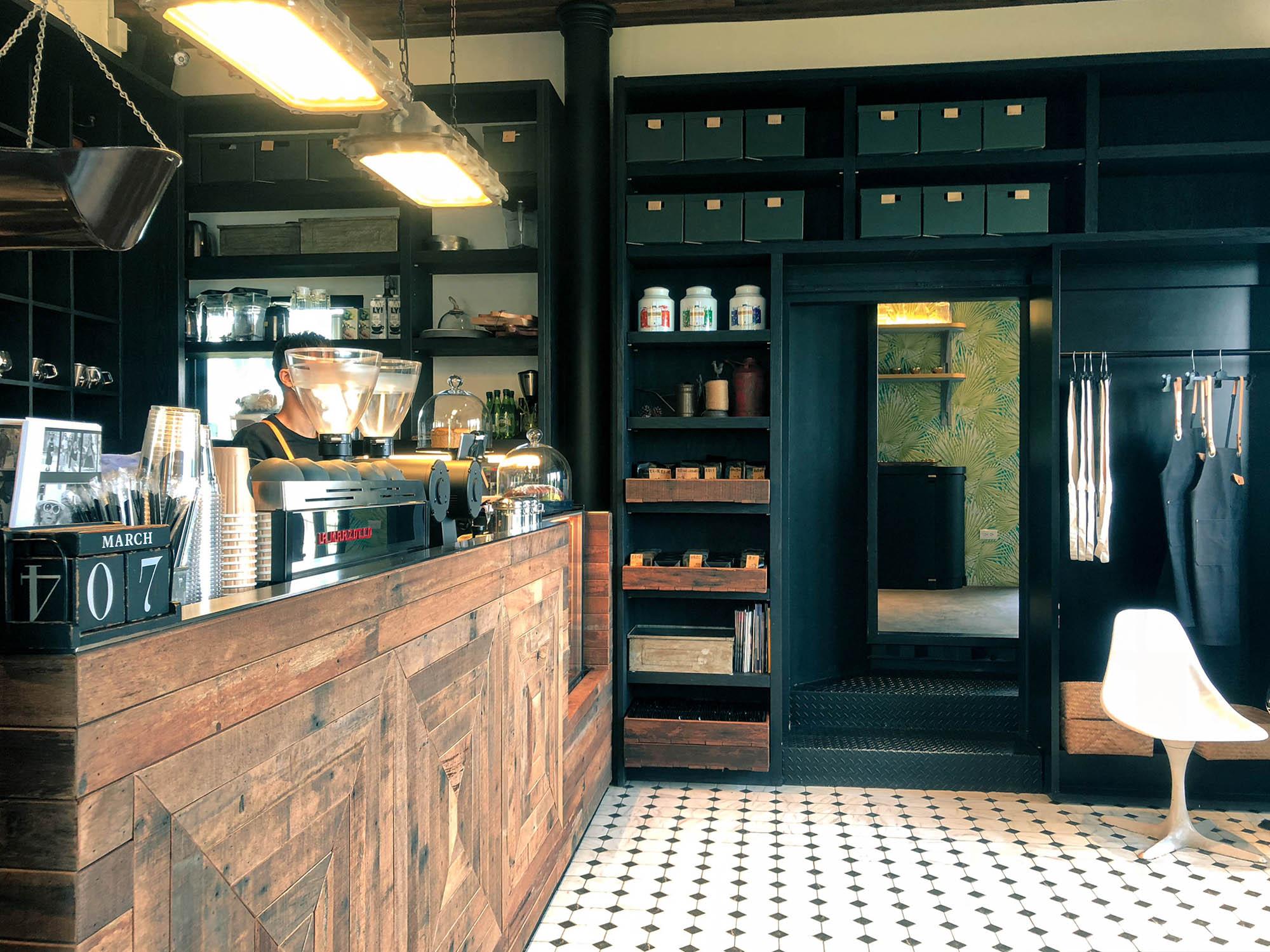 黑宅咖啡櫃檯1