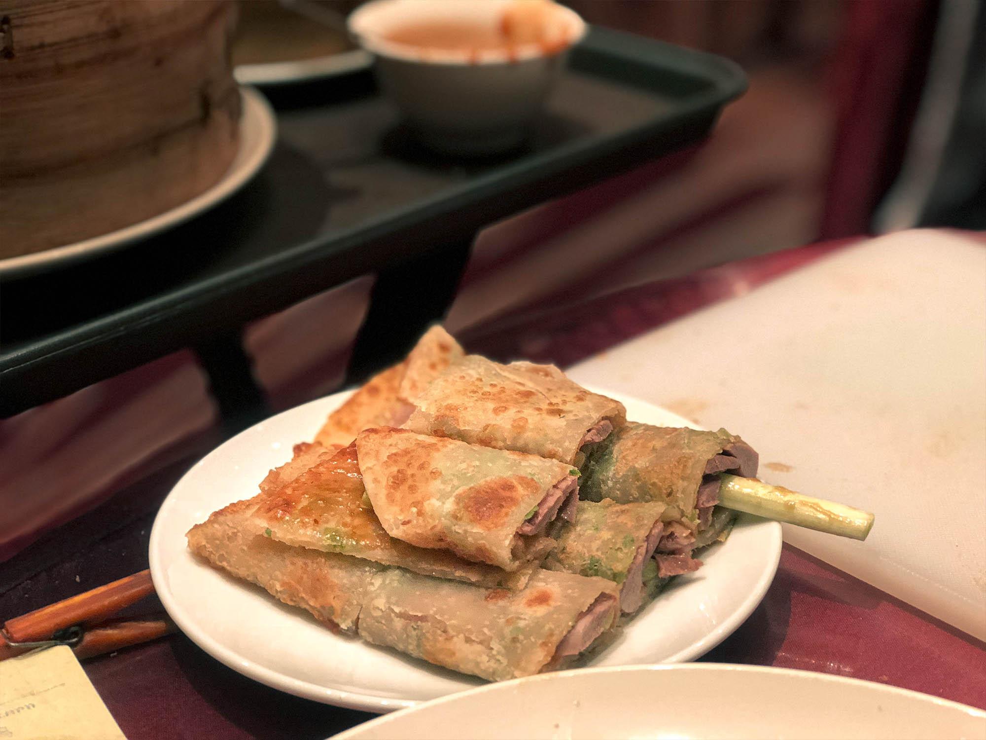 蘭城晶英_櫻桃鴨蔥油餅夾烤鴨