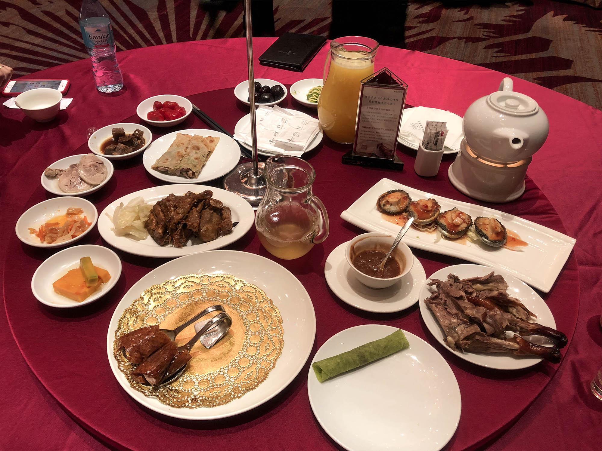 蘭城晶英_櫻桃鴨4人份餐點