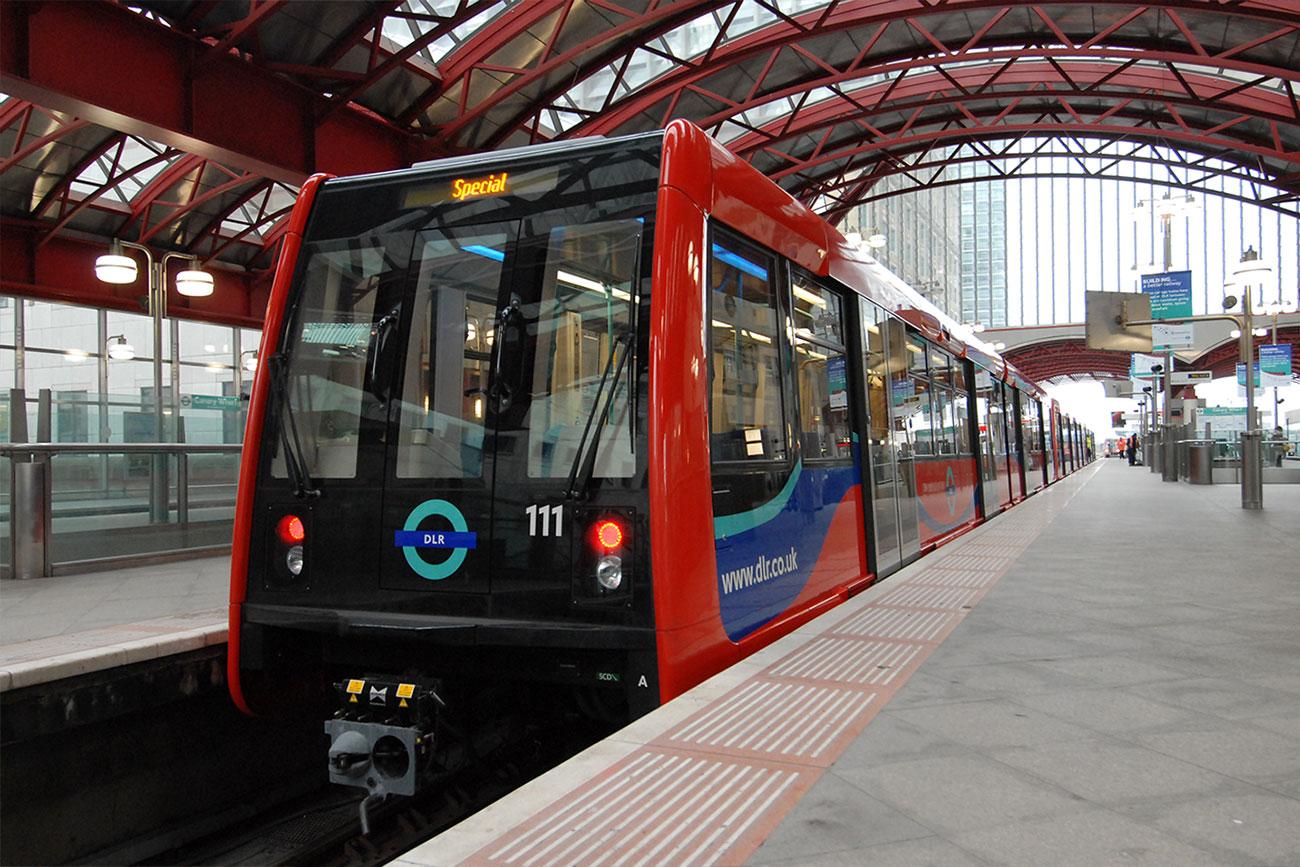 倫敦交通 11種交通工具全攻略:輕軌鐵路 DLR