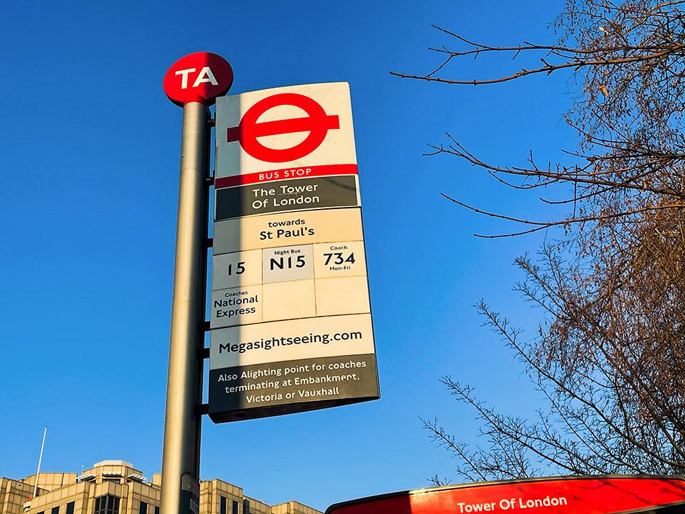 倫敦巴士 搭車攻略:第一步!教你怎麼看懂公車站牌