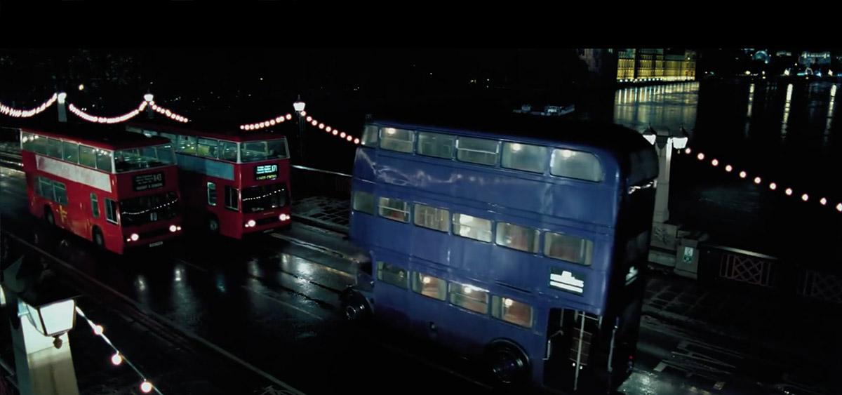 哈利波特在倫敦拍攝的10個知名電影場景-哈利搭騎士巴士在倫敦市暴衝/《哈利波特:鳳凰會的密令》劇中畫面