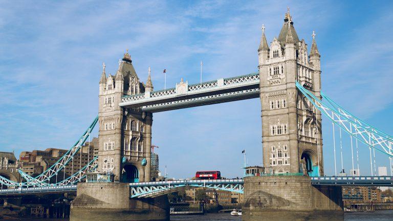 倫敦塔橋Tower Bridge河畔風景的3大參觀路徑&必看超壯觀的橋面開啟時間!