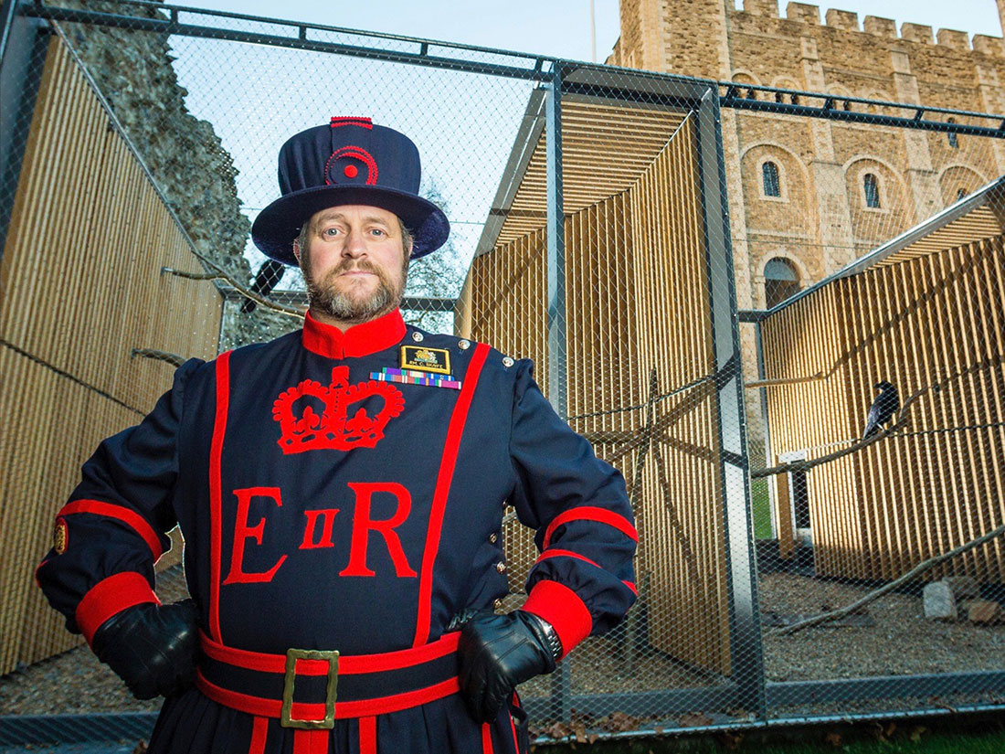 倫敦塔The Tower of London的必看重點有哪些?-倫敦塔皇家守衛(Yeoman Warder)