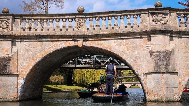 劍橋撐篙–遊覽康河美景,來劍橋必做的首件事!如何買到便宜撐船票?該注意的事情?