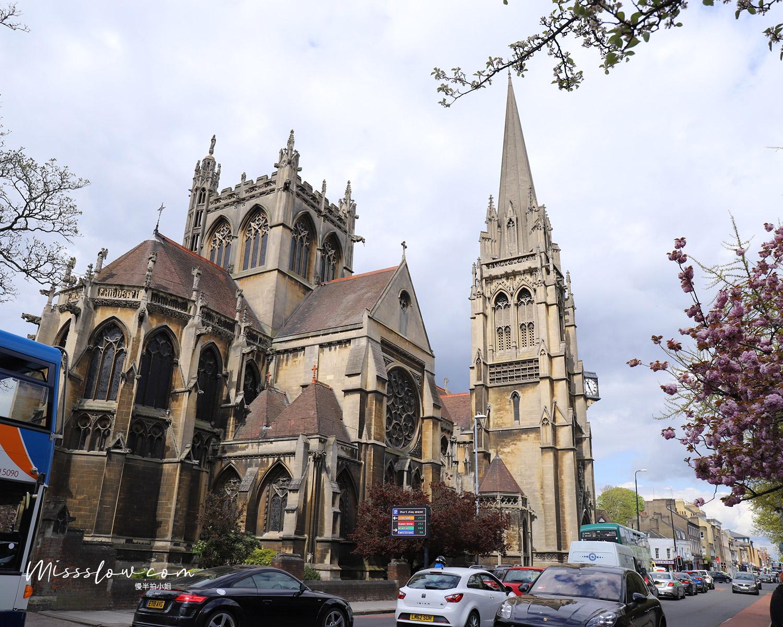 走去大學城路上看到的聖母暨英格蘭殉道聖人堂