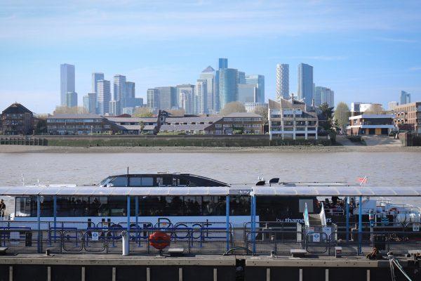 水上巴士River bus–倫敦最美的一條交通路線!怎麼搭交通船?途經哪8站著名景點?