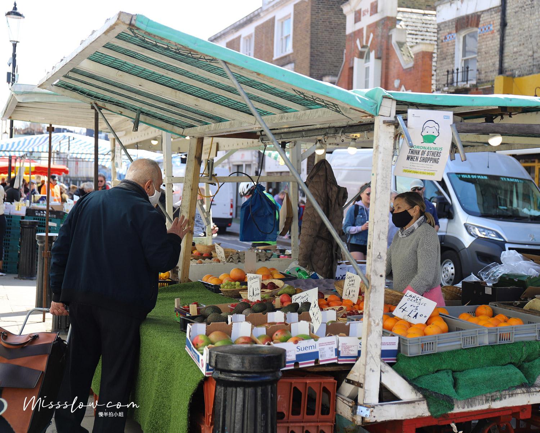 諾丁丘上的Portobello Market水果攤販
