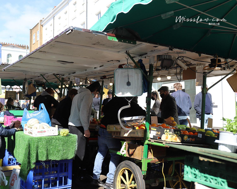 諾丁丘上的Portobello Market新鮮水果攤販